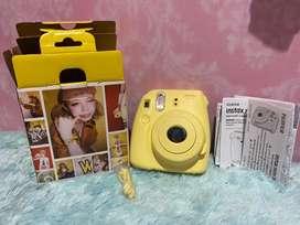Insta mini 8 camera polaroid