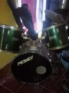 Dijual 1 set drum merk peavey