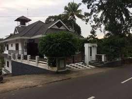 4 rooms attached. Near in Cherpunkal