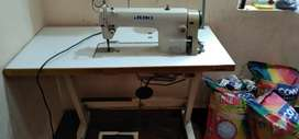 Tailoring machine for sale in good condition price 14000 fix