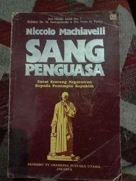 Dijual buku terbitan 1991 berjudul SANG PENGUASA