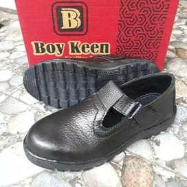 Sepatu Safety Wanita slip on Kretek Ujung Besi Kulit Asli boyken S01