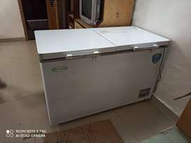 SELL DEEP FRIDGE BRAND NEW CONDITION WARRENTY LEFT