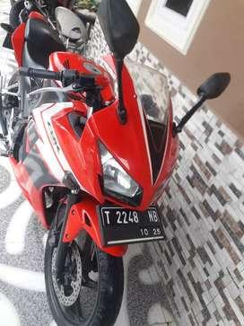 Honda CBR Red coulourrr