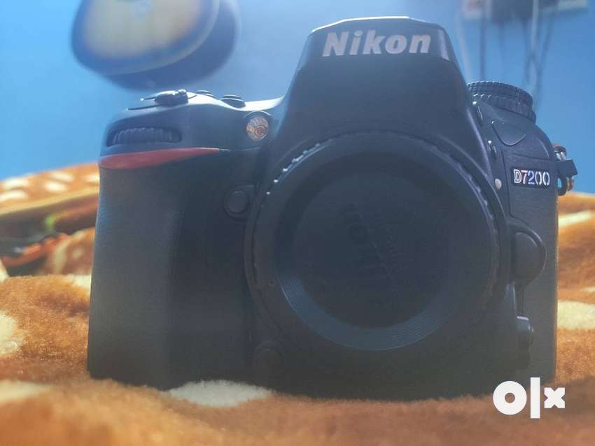(FIX PRICE) (Body Only)Nikon D7200 DSLR Camera 2 years old