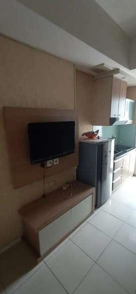 Di sewakan apartemen green lake Sunter tipe 2 bedroom furnish
