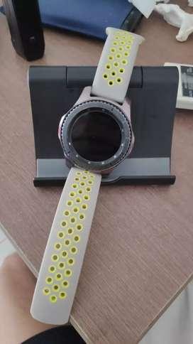 Jam tangan Samsung Gear S3 frontier