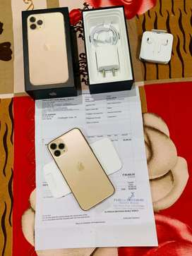 Apple IPhone 11 Pro 64GB Gold only 6 Days old