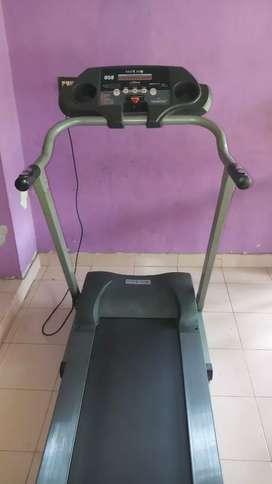 Physique 058 Treadmill