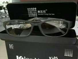 Kacamata Anak Teknologi Jerman atasi Mata Anak yang sering main Gadget