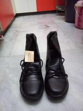 Fuel shoes