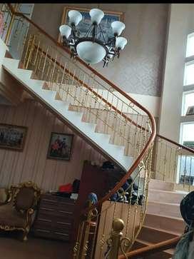 Rumah mewah dijual di Puspita Loka, BSD, Tangerang Selatan.