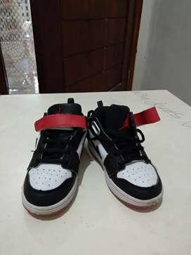 Nike Air Jordan Low Black Toe