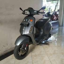 Vespa sprint iget 2018 abu glosy Bali Dharma motor