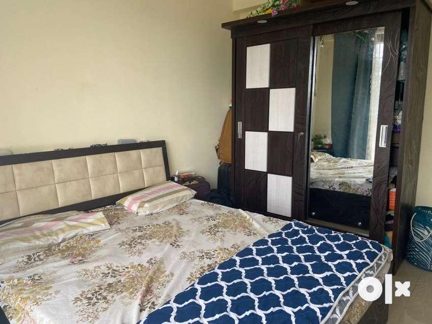 Sliding Door Wardrobes & queen size bed