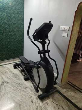 AFTON BRAND  VERY LESS USE CROSS TRAINER