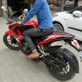 Great pick up and full sports bike with heavy look