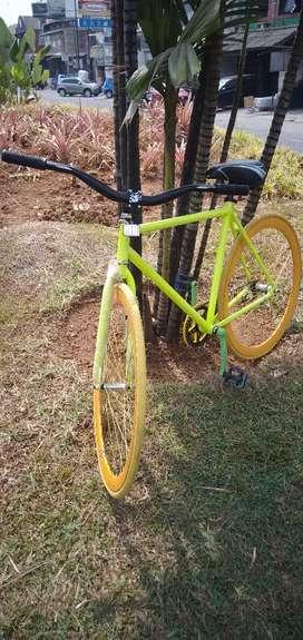 Sepeda fixie rakitan sendiri