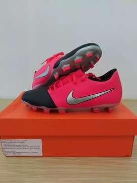 Sepatu Sepak Bola Nike