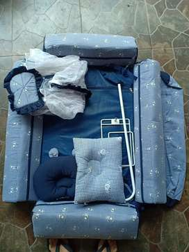 Tempat tidur bayi set