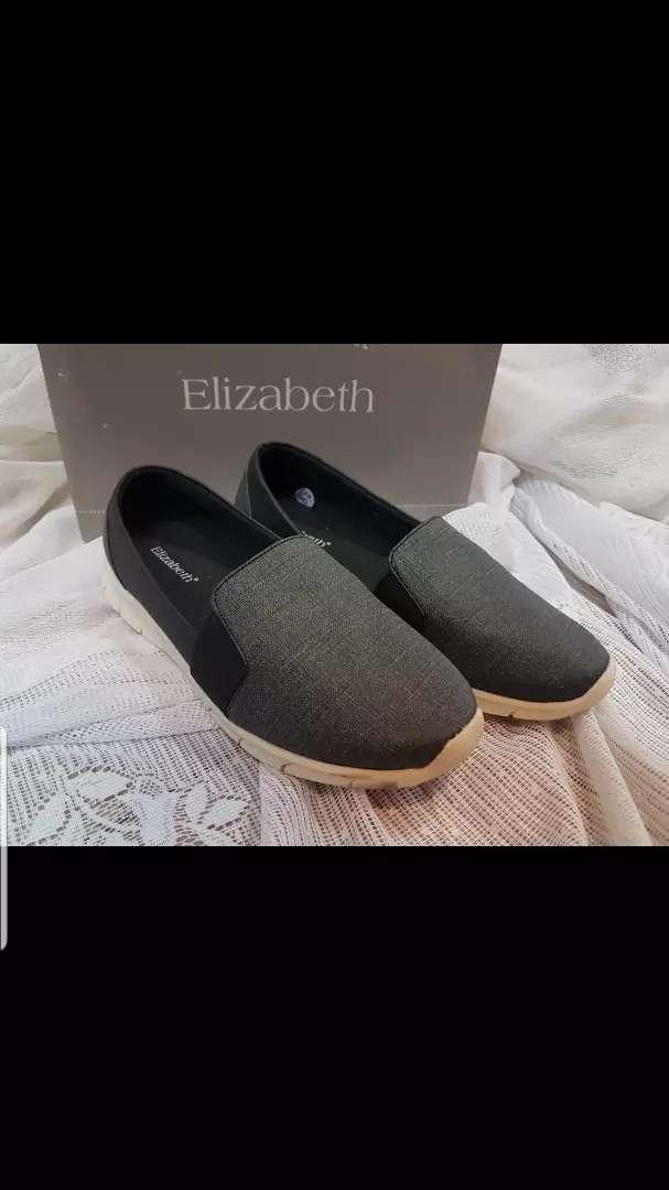 Sepatu Elizabeth Size 38 NEW