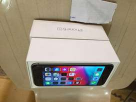 Iphon 6s  32 gb 1 month warrnty left
