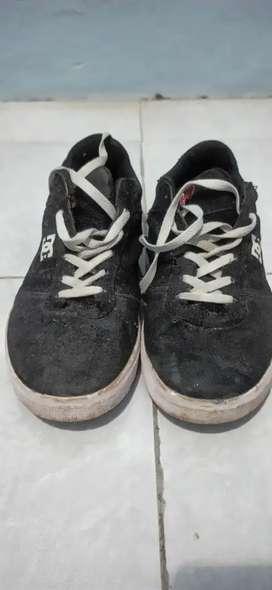 Dijual Murah Sepatu DC bekas pakai Pribadi