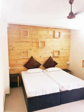 Boys pg / girls pg / hostel / AC rooms / with food near to metro.