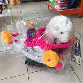Mainan Anak Kuda Putih Dorong & Ayunan