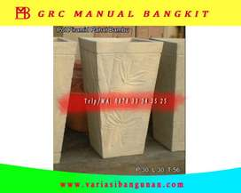 Pot Piramid Pahat Bambu