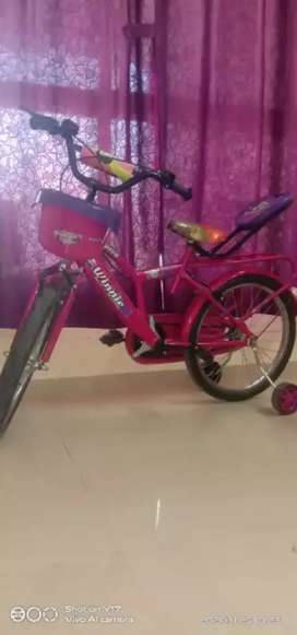 Kid's cycle very good condition one year old