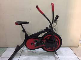 Sepeda Statis Fitness ID-662 Platinum Bike Dual Motion ID662 - Hitam