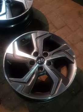 Car hyundai genuine alloy wheels diamond cut 17 inch New condition