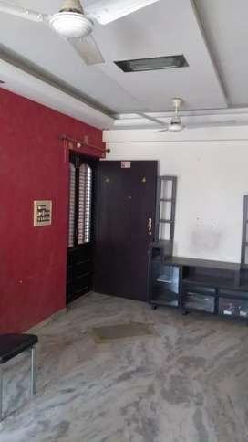 2BHK FLATFULL. FARNICHAR. (AC. RO.Bed.DINIG tebal.) etc) PARKING.AKOTA