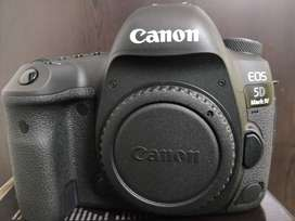 Canon 5d mark4 (Body only) - with new laptop and camera travel bag