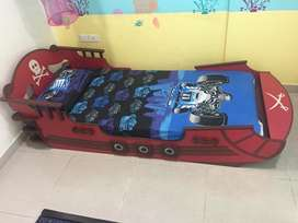 Single kids bed