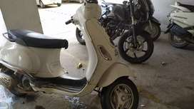 Vespa piaagio lx 125cc only rs 35000
