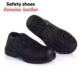 Ready stok. Bonus kaos kaki. Sepatu safety boot bahan kulit asli