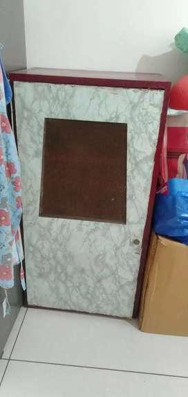 4feet heavy wooden cupboard