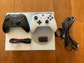 Xbox one s with two joysticks fresh condition used ps4