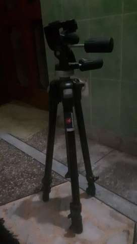 Manfrotto 190DB tripod