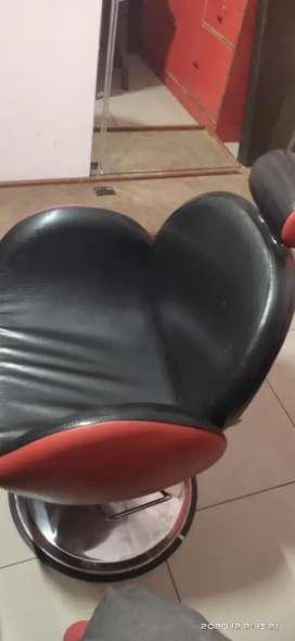 Saloon Hydraulic Chair