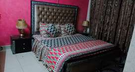 furnished flat per day for rent bahria town phase 7&8
