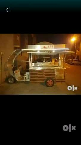 Food cart made with stainless-steel is for sale