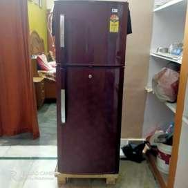 Lg Double door refrigerator maroon colour 2008 model 4 Star