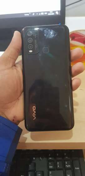 Vivo y30 with complete box and 9 month wernty