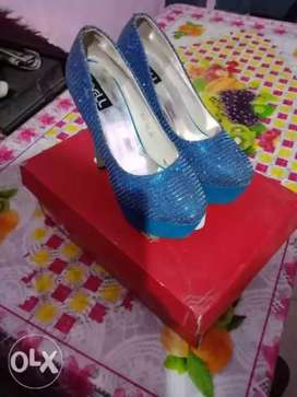 Nell heel blue colour. Size 38