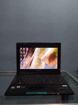Notebook Toshiba NB520