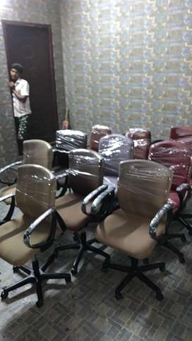 Office chairs 80 nos available