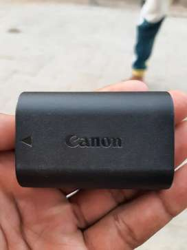 One hand use Canon Battery LP-E6N Original